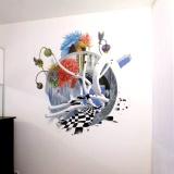 Розы в спальне • оформление стены абстракцией с цветами