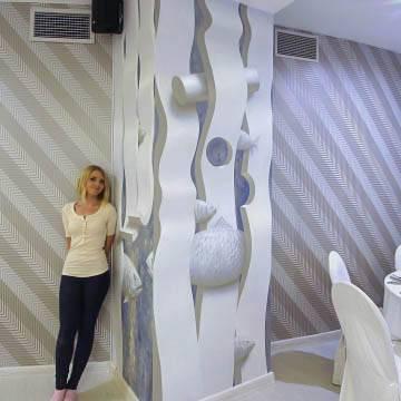 Оформление колонн ресторана рисунками | СПб
