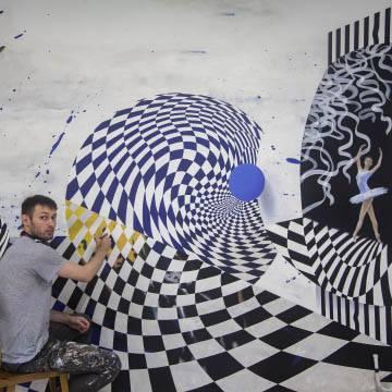 Рисунки на белой стене интерьера | СПб